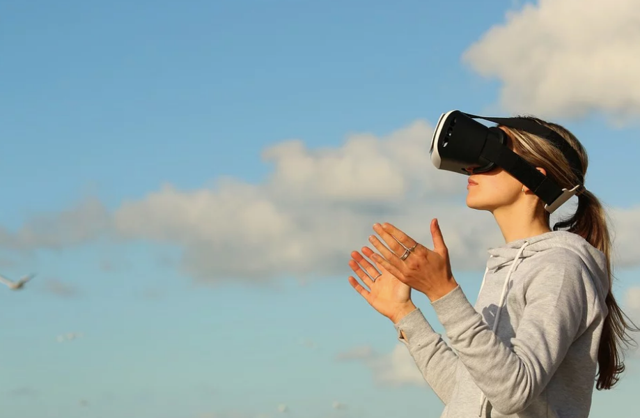 Challenges of Virtual Reality App Development